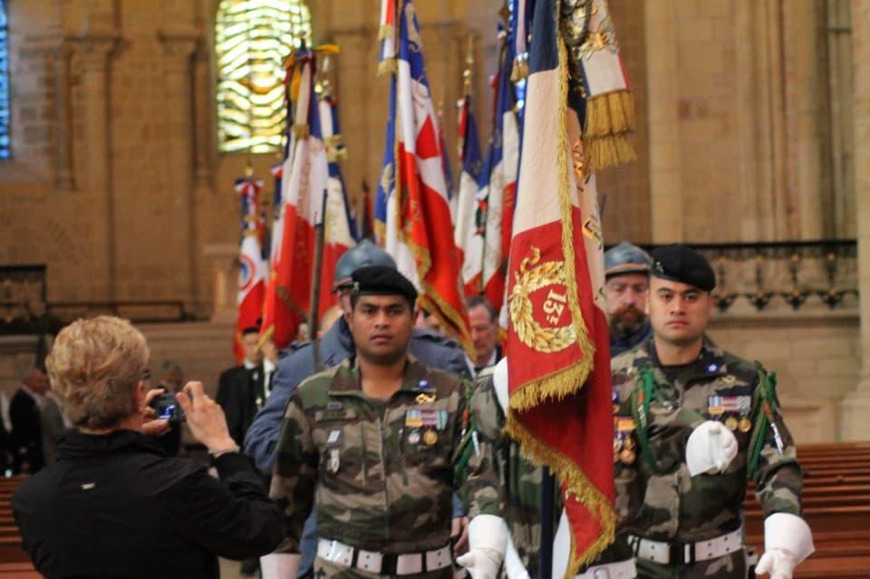 Messe 100 drapeaux 23