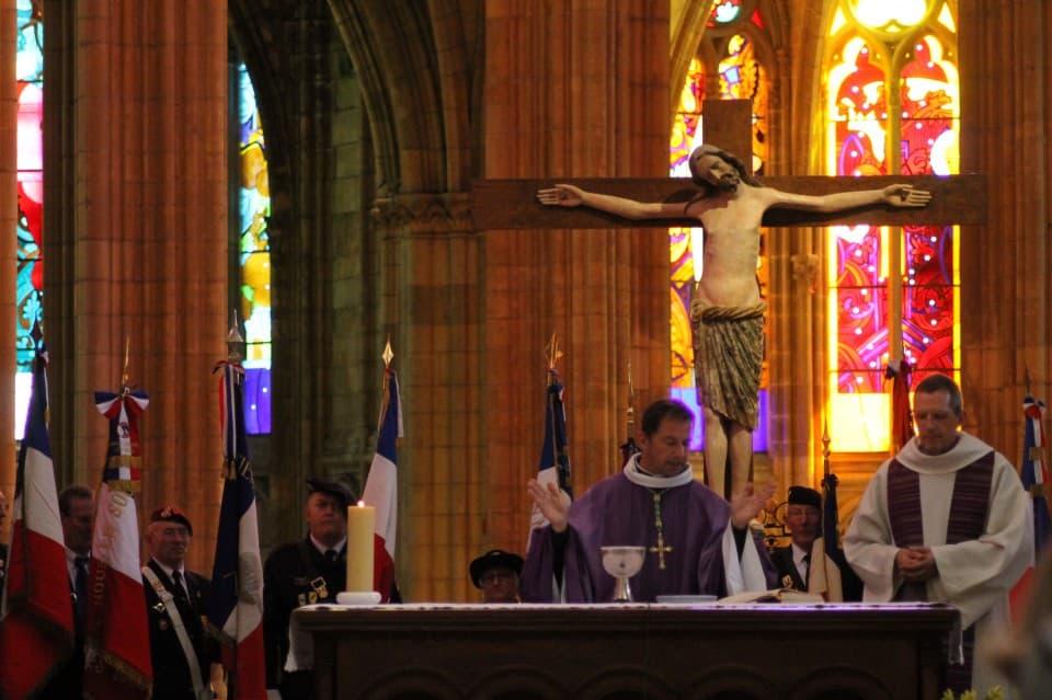 Messe 100 drapeaux 29