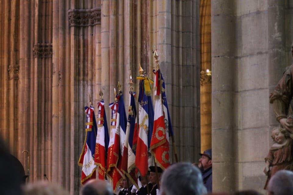 Messe 100 drapeaux 31