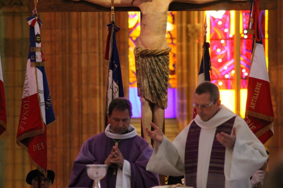 Messe 100 drapeaux 33
