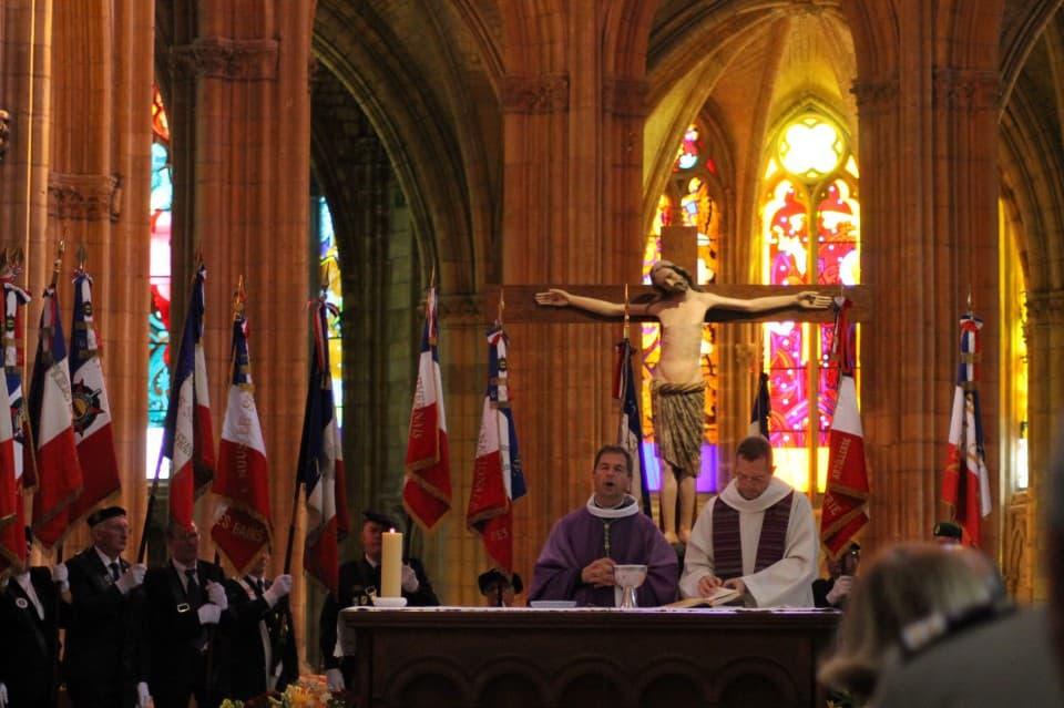 Messe 100 drapeaux 34