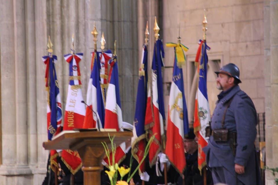 Messe 100 drapeaux 40