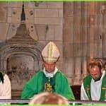 36 bis, Mgr Thierry Brac de la Perrière en compagnie du Père François-Xavier Reveneau et du diacre Patrick Marchand, à l'église Saint-Seine à Corbigny,  DSC_0675