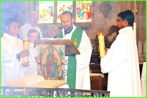 39 bis, Le père François-Xavier proclame l'Evangile, DSC_0678