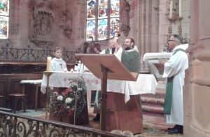 vy-ass-eucharistiee