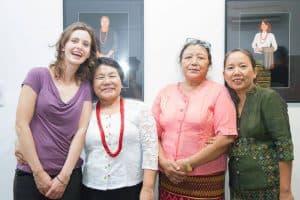 Hélène + femmes birmanes