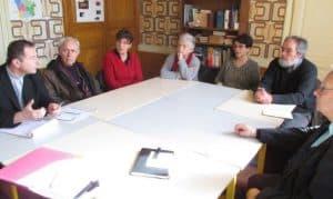 Un temps avec chacun des services de la paroisse : ici avec l'équipe d'accompagnement des familles en deuil