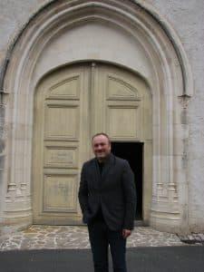 pere-gregoire-stoj-porte