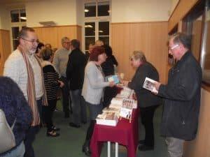 Nous avons pu aussi bénéficier de la table de presse de la Librairie religieuse AGAPÉ de Nevers, ainsi que d'un choix de livres présentés par notre frère Marc REY