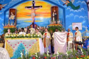 24, DSC_0883 bis - Première messe célébrée par Arockiadoss, lundi 10 juillet 2017
