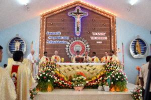 DSC_0274 bis - Première messe célébrée par James Charles, église Saint-Michel, mardi 11 juillet 2017