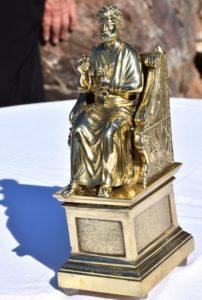 Statuette offerte par la famille Cassier